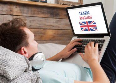 Как лучше учить английский язык: онлайн или офлайн